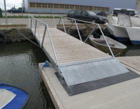 Käigusilla peale- ja mahaminek (Westmeri sadam Haapsalus)